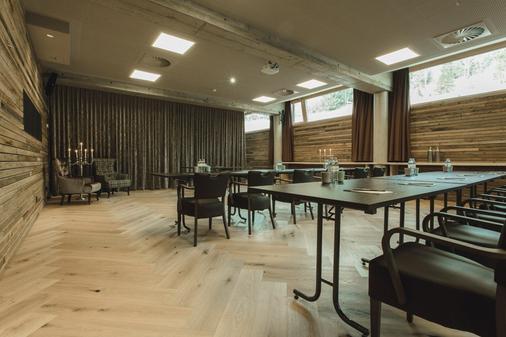 mama thresl - Leogang - Meeting room