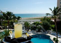 The Savoy Hotel & Beach Club - Miami Beach - Beach