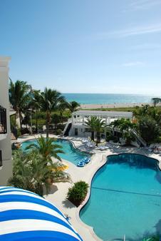 The Savoy Hotel & Beach Club - Miami Beach - Pool