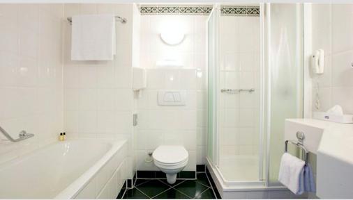 Carlton Oasis Hotel - Rotterdam - Bathroom
