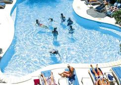 Nadi Bay Resort Hotel - Nadi - Pool