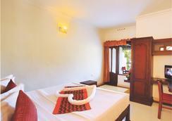 Leisure Inn - Le Celestium - Munnar - Bedroom