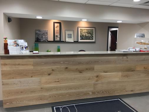 Country Inn & Suites by Radisson, Alpharetta, GA - Alpharetta - Front desk