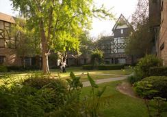 Anaheim Majestic Garden Hotel - Anaheim - Outdoor view