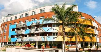 Hotel Capannelle - Rome - Building