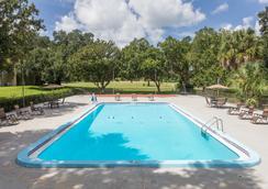 Days Inn by Wyndham, Ocala West - Ocala - Pool