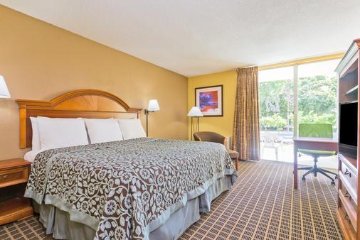 Days Inn by Wyndham, Ocala West - Ocala - Bedroom