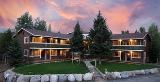 Breckenridge Park Meadows by Ski Country Resorts - Breckenridge - Building
