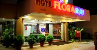 Treebo Flora Inn - Nagpur - Building