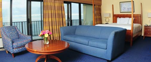 Ramada Virginia Beach Oceanfront - Virginia Beach - Living room