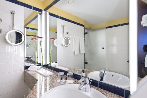 Wyndham Garden Wismar - Wismar - Bathroom