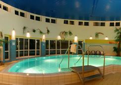 Wyndham Garden Wismar - Wismar - Pool