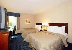 Comfort Inn & Suites Sea-Tac Airport - SeaTac - Bedroom