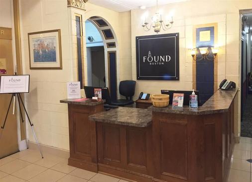 Found Hotel Boston Common - Boston - Front desk