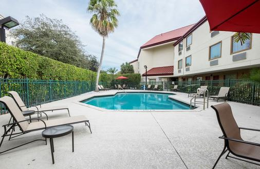 Red Roof PLUS+ West Palm Beach - West Palm Beach - Pool