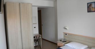 Hotel Eliani - Grado - Bedroom