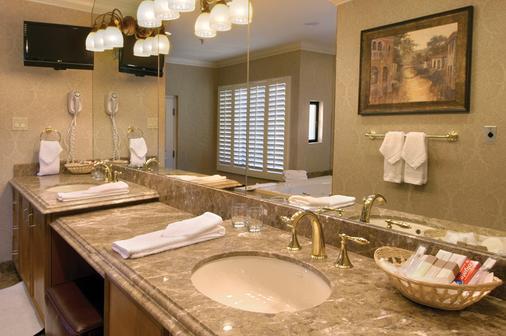 Gold Coast Hotel and Casino - Las Vegas - Bathroom