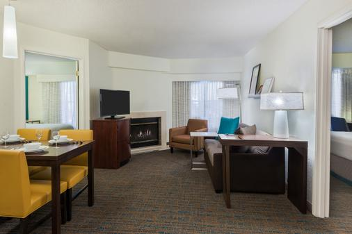 Residence Inn Tallahassee North/I-10 Capital Circle - Tallahassee - Living room