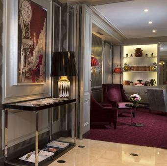 Elysees Union Hotel - Paris - Front desk