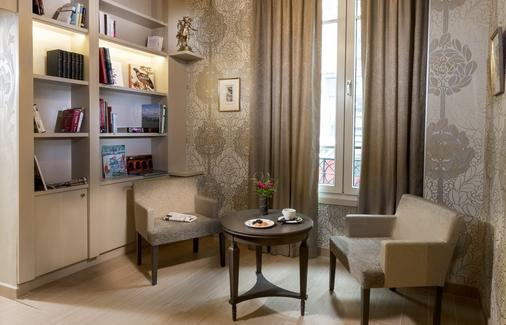 Grand Hotel des Balcons - Paris - Living room