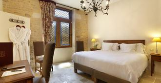 Abbaye de Maiziéres - Beaune - Bedroom