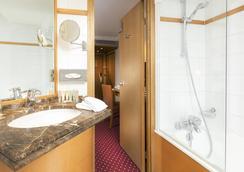 Hotel Royal Saint Michel - Paris - Bathroom