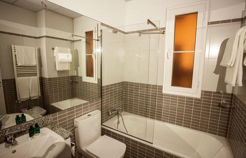 Gran Via Selection - Madrid - Bathroom