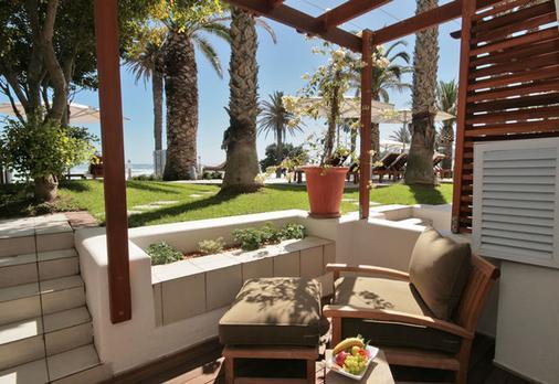 The Bay Hotel - Cape Town - Patio