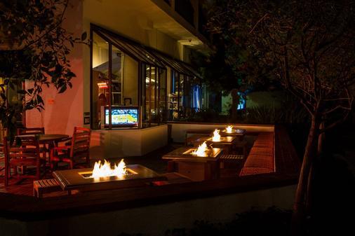 Portola Hotel & Spa At Monterey Bay - Monterey - Patio