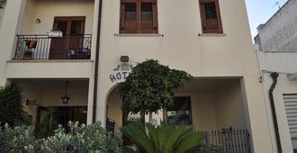 Hotel Al-Taïr - San Vito Lo Capo - Building