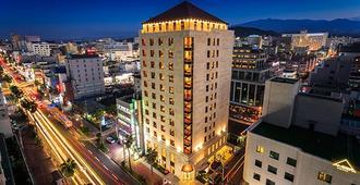 Hotel Leo - Jeju City - Building