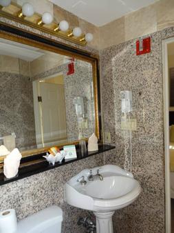 Da Vinci Hotel - New York - Bathroom
