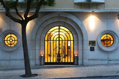 Hotel Britania - Lisbon - Building