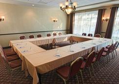 Ambassadeur Hotel - Québec City - Conference room