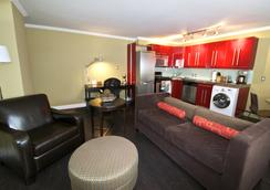 Ostays Ovation - Calgary - Living room