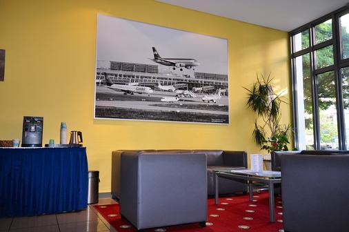 Achat Comfort Airport & Messe Stuttgart (Form. Golden Leaf) - Stuttgart - Lobby