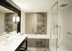 Park Hotel Grenoble - MGallery by Sofitel - Grenoble - Bathroom