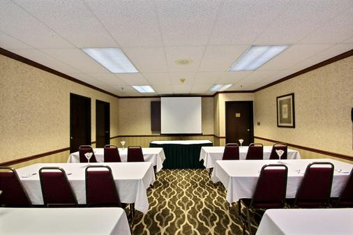 Comfort Suites Appleton Airport - Appleton - Meeting room