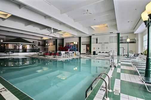 Comfort Suites Appleton Airport - Appleton - Pool
