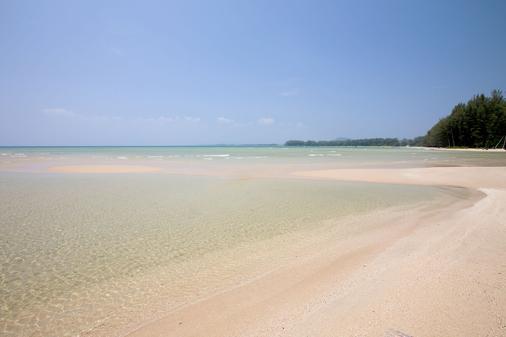 Phuket Marriott Resort and Spa, Nai Yang Beach - Phuket City - Beach