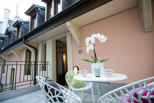 Hôtel Des Voyageurs - Lausanne - Balcony