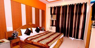 Hotel Sunshine - Haridwar - Bedroom