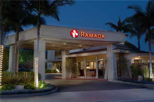Ramada Santa Barbara - Santa Barbara - Building