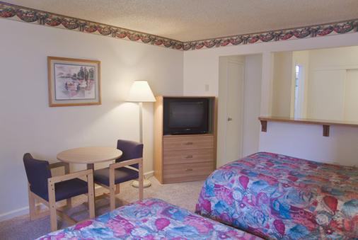 California Suites Hotel - San Diego - Bedroom