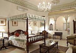 Alsisar Haveli - A Heritage Hotel - Jaipur - Bedroom
