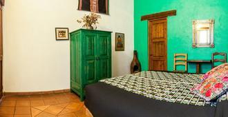 Posada Yolihuani - Patzcuaro - Bedroom