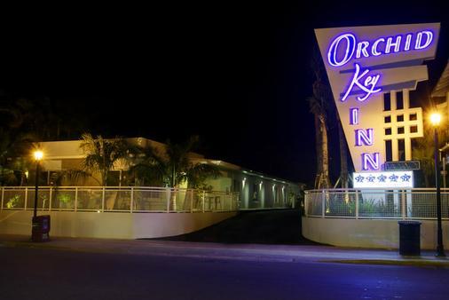 Orchid Key Inn - Key West - Building