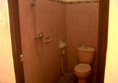 Citrus Tree Rooms - Arik - Ubud - Bathroom