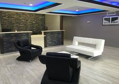 Baymont Inn & Suites North Little Rock - North Little Rock - Lobby