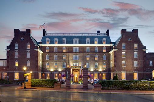 Hotel Viking - Newport - Building